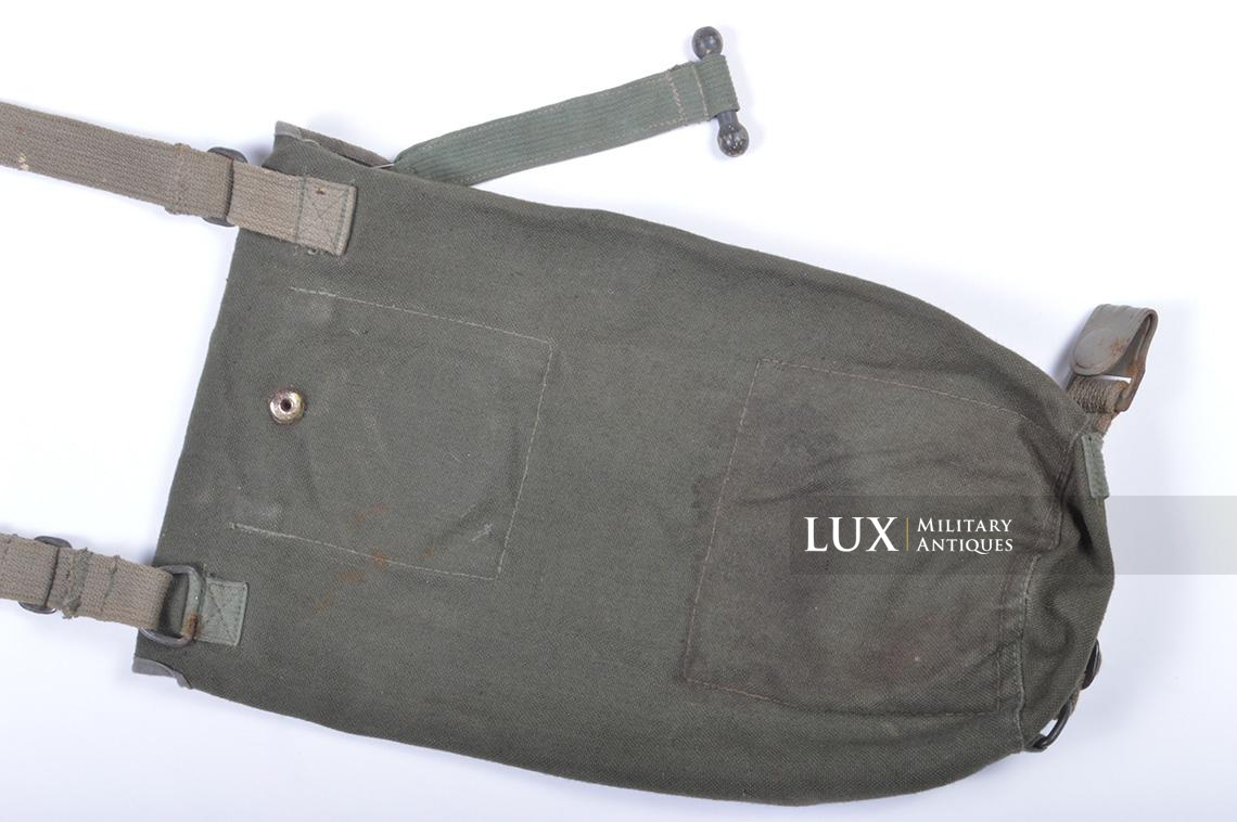Early-war German paratrooper gas mask carrying bag, « AB » - photo 21