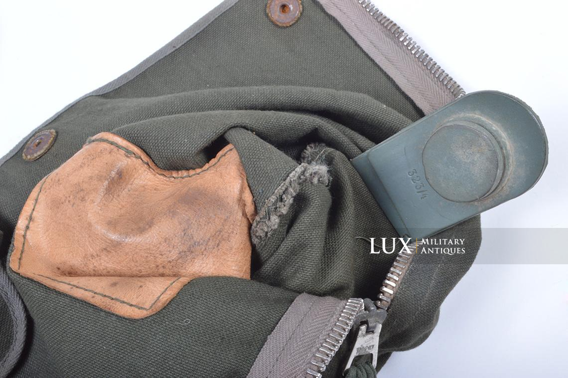 Early-war German paratrooper gas mask carrying bag, « AB » - photo 30