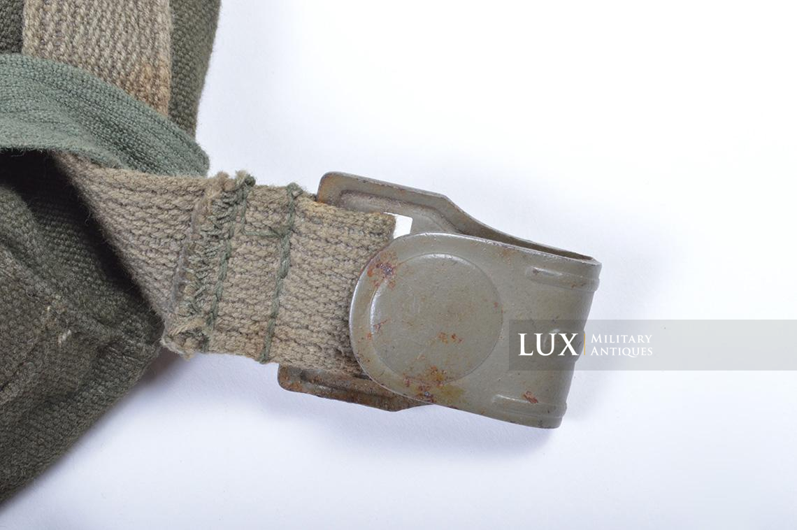 Early-war German paratrooper gas mask carrying bag, « AB » - photo 11