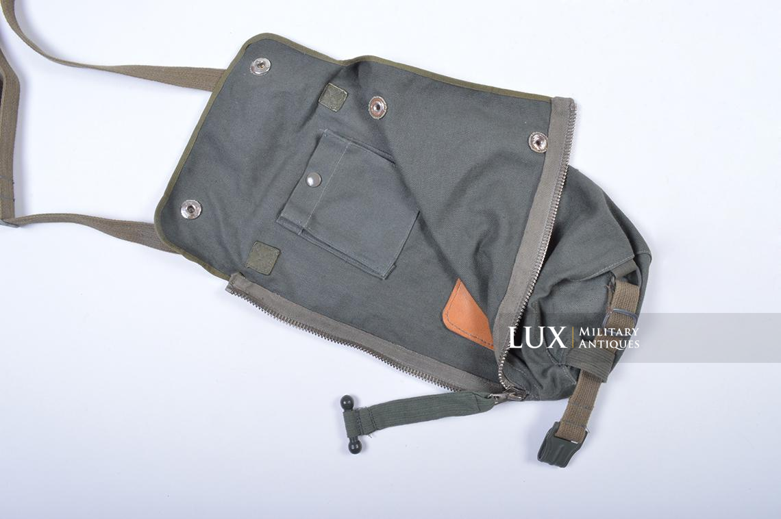 Early-war German paratrooper gas mask carrying bag, « AUER » - photo 10