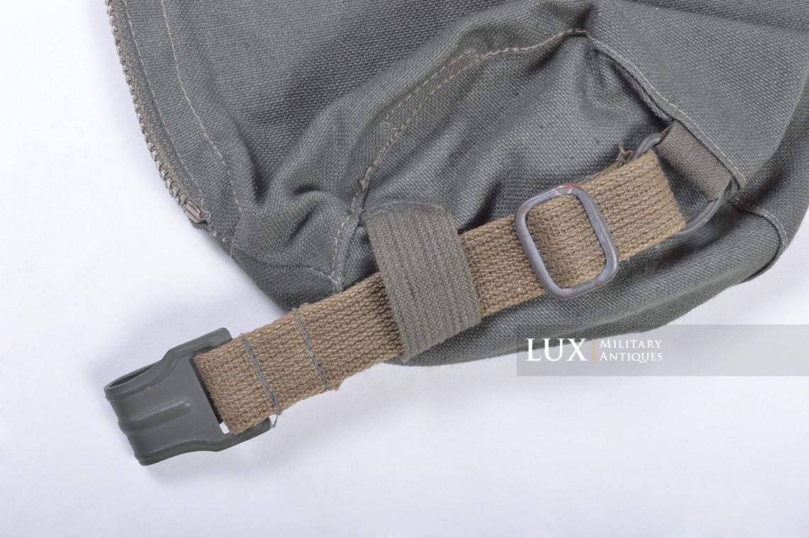 Early-war German paratrooper gas mask carrying bag, « AUER » - photo 9
