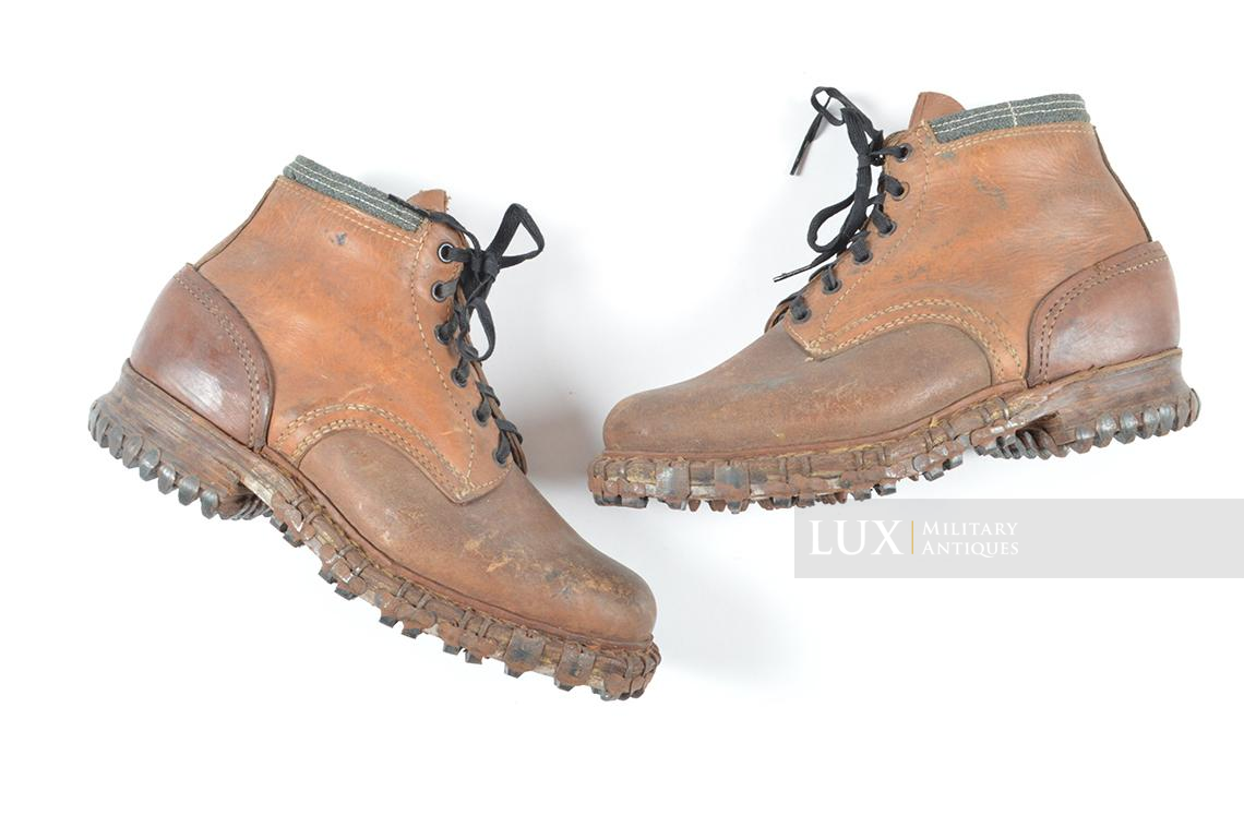 Unissued German mountain trooper's « Gebirgsjäger » ankle boots - photo 4