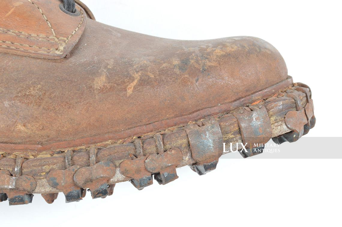 Unissued German mountain trooper's « Gebirgsjäger » ankle boots - photo 24
