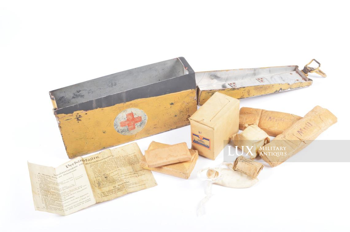 Exceptional early MG 34/42 tan camouflage ammo medics first aid box - photo 40