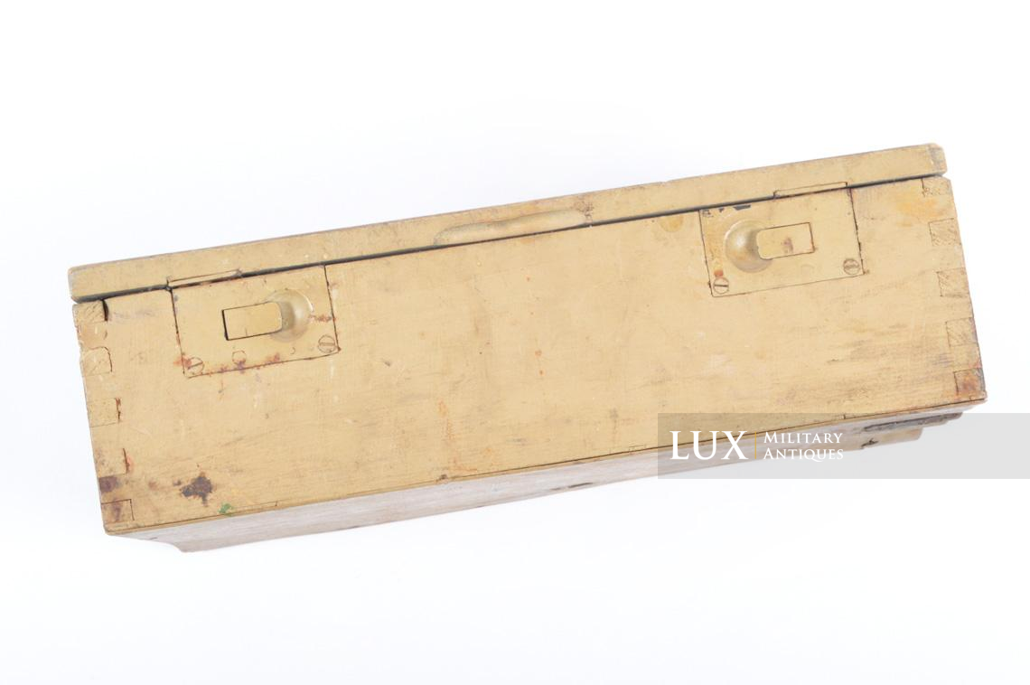 Late-war wooden medics first aid box, « Verbankasten » - photo 11
